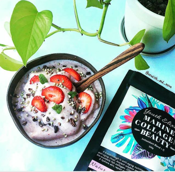 Collagen Protein Smoothie Bowl Recipe by @nourish_and_move