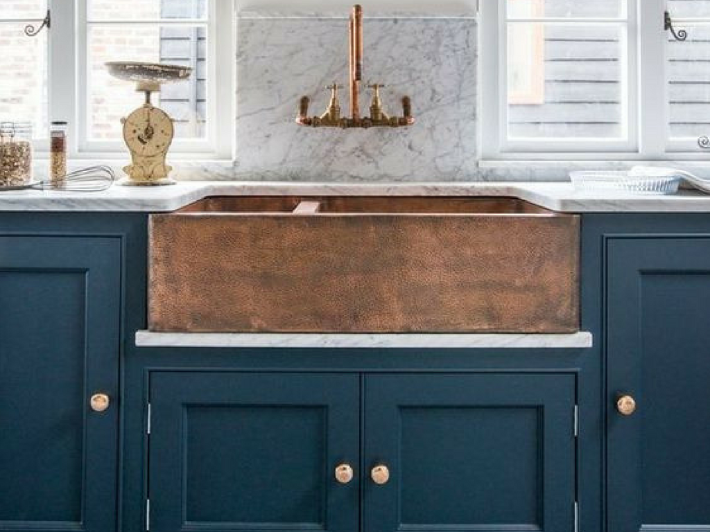 Blue kitchens are trending for home decor right now! Check out these 5 interior design trends!