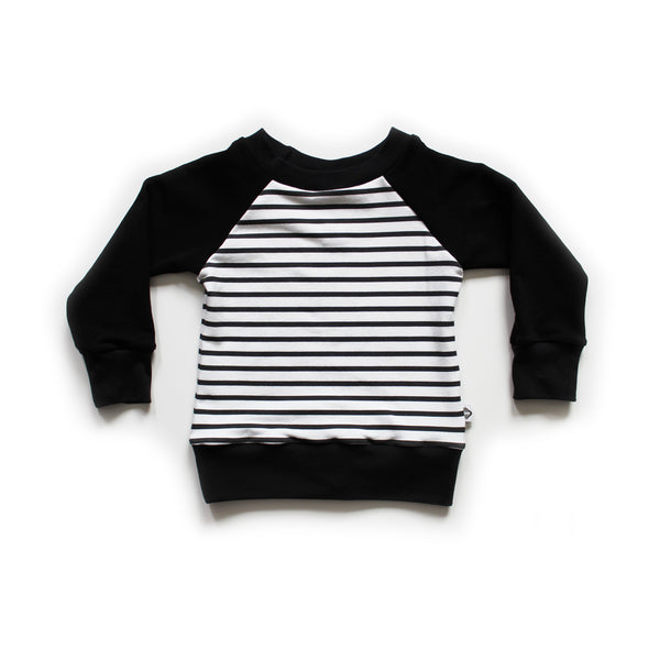 Nixi Classic Pullover; Black with Skinny Stripe