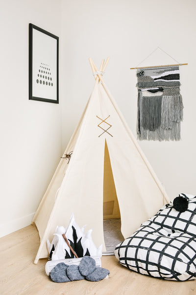 Deluxe Campfire Play Set; Mod Monochrome