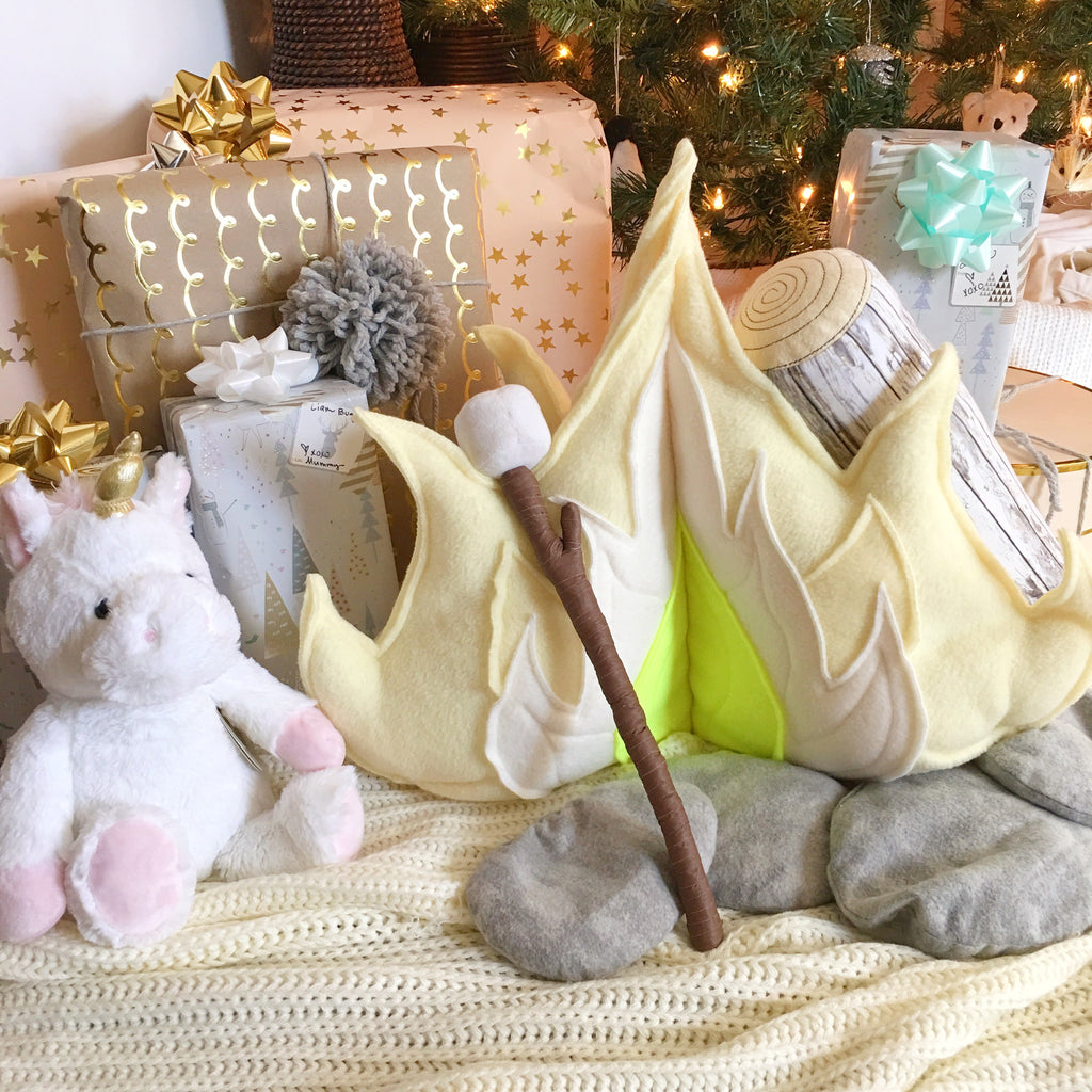 Campfire Play Set; Lemon Lights Pastel