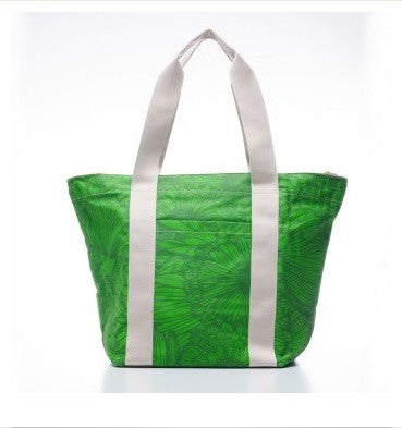 Tote City - Green Grass
