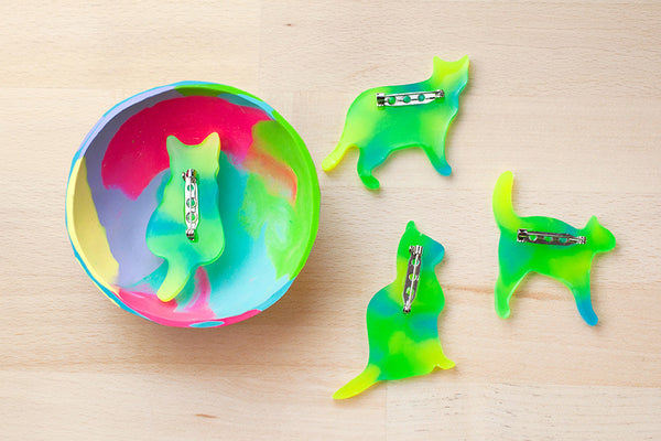 Cat Brooch - Bioresin - Lime Sorbet Glow