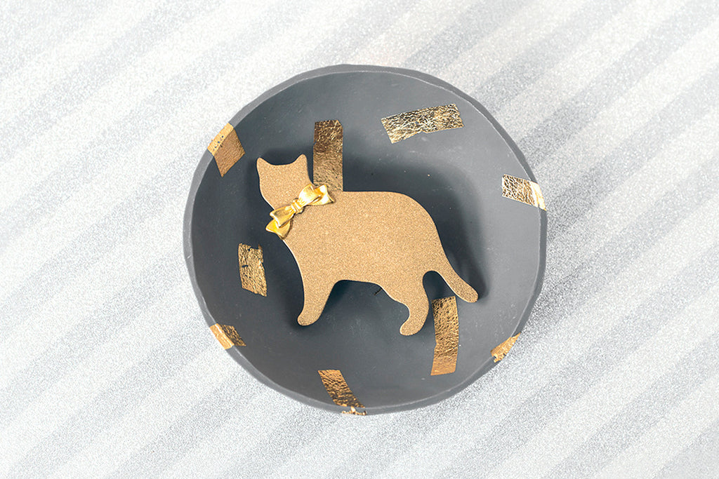 Cat Brooch - Bioresin - Metallic Gold