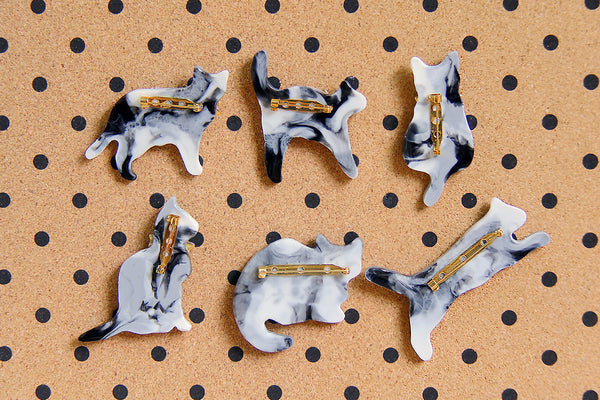 Cat Brooch - Bioresin - Black & White