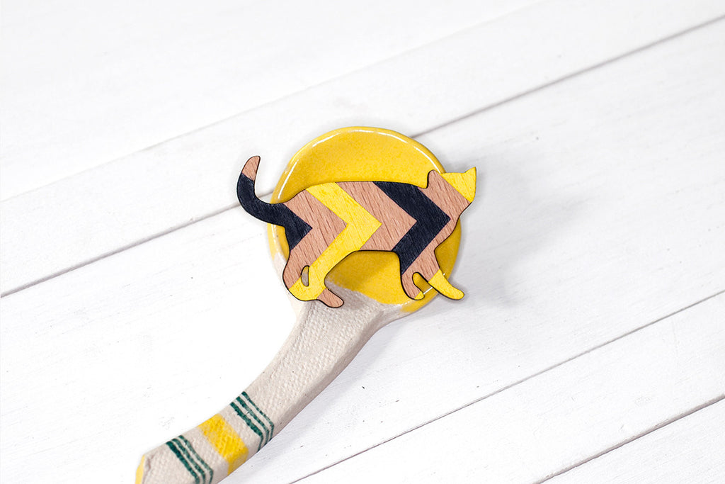 Wooden Cat Brooch - Black & Yellow Chevron