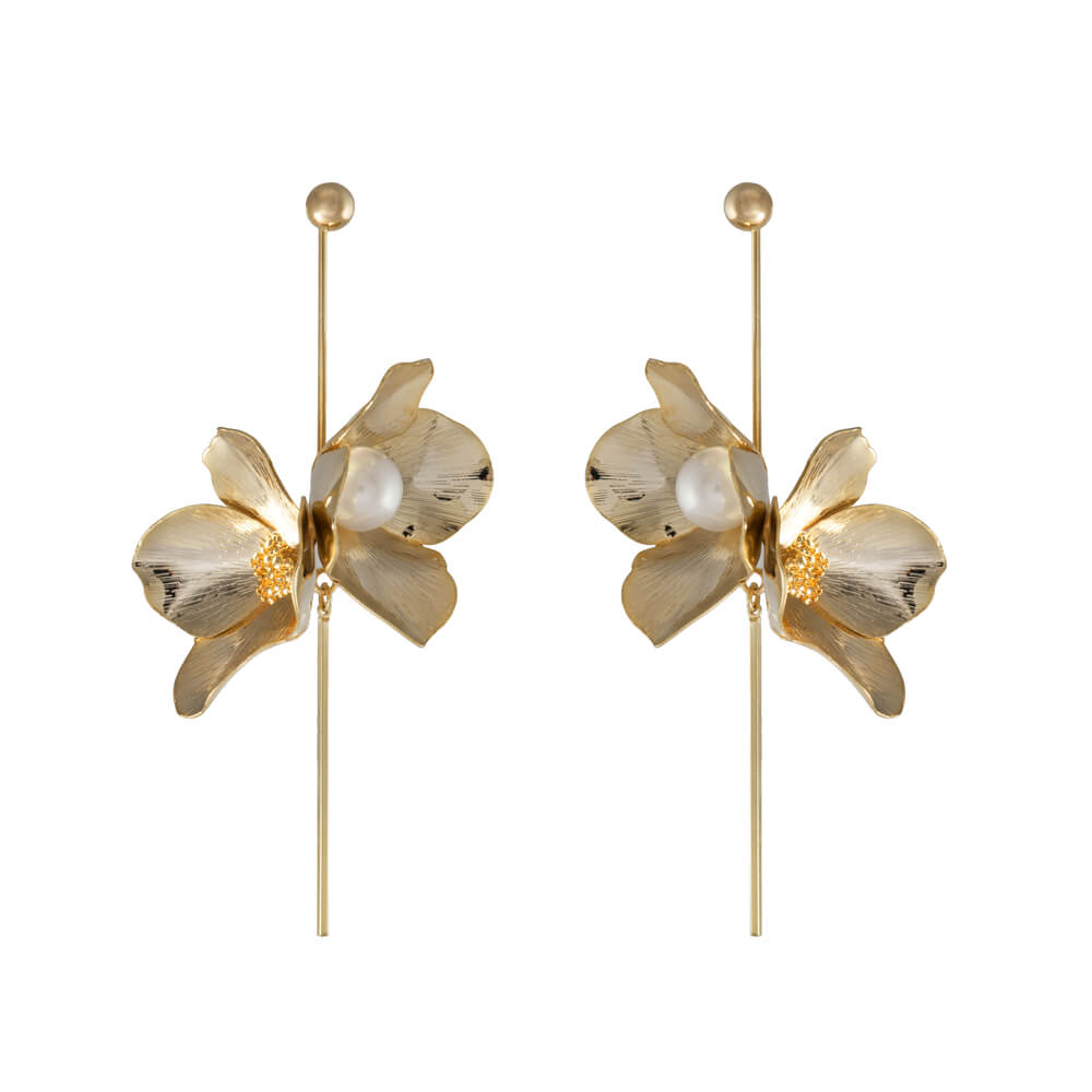 maia pearl earrings