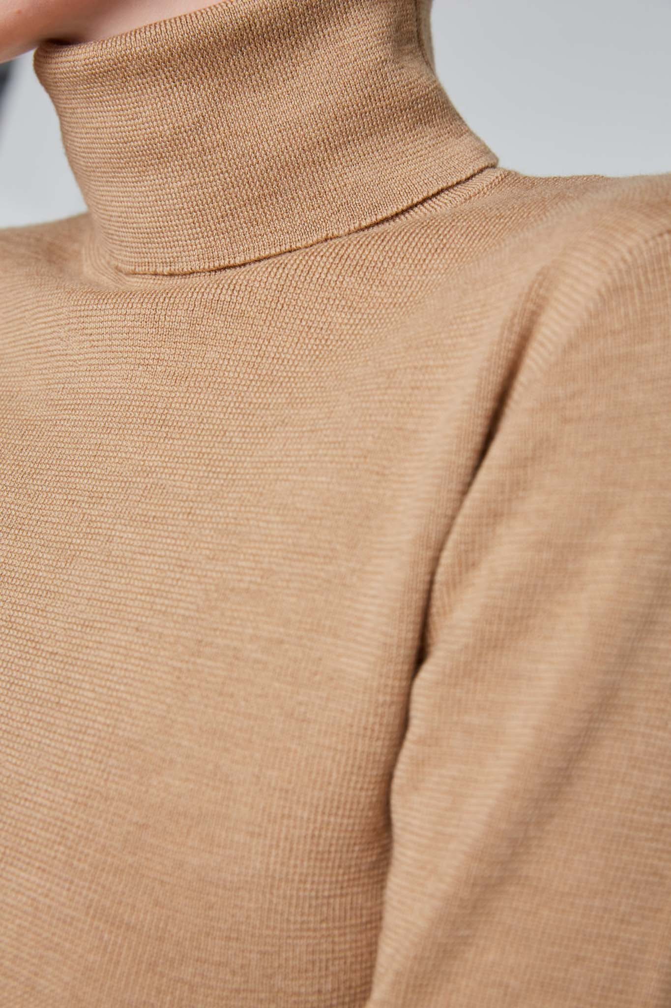 Enoa Sweater