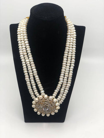 Circle Antique Design 3 Row Pearls Necklace