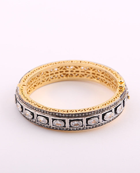 Clear Antique Round Bracelets