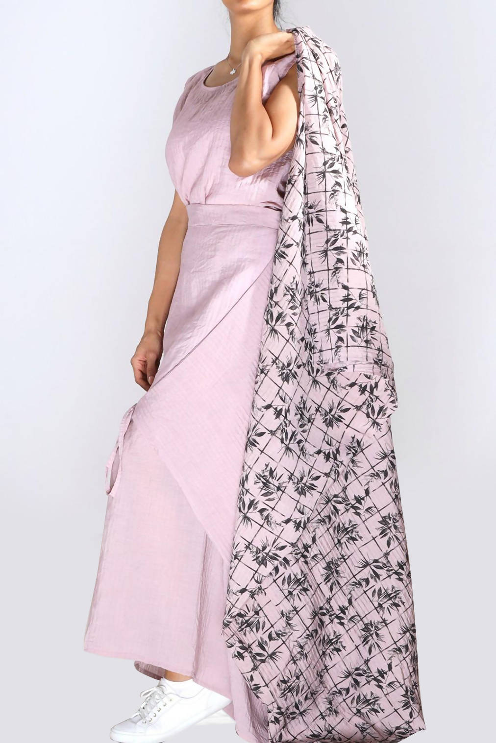 A55 : Bisht with top & skirt