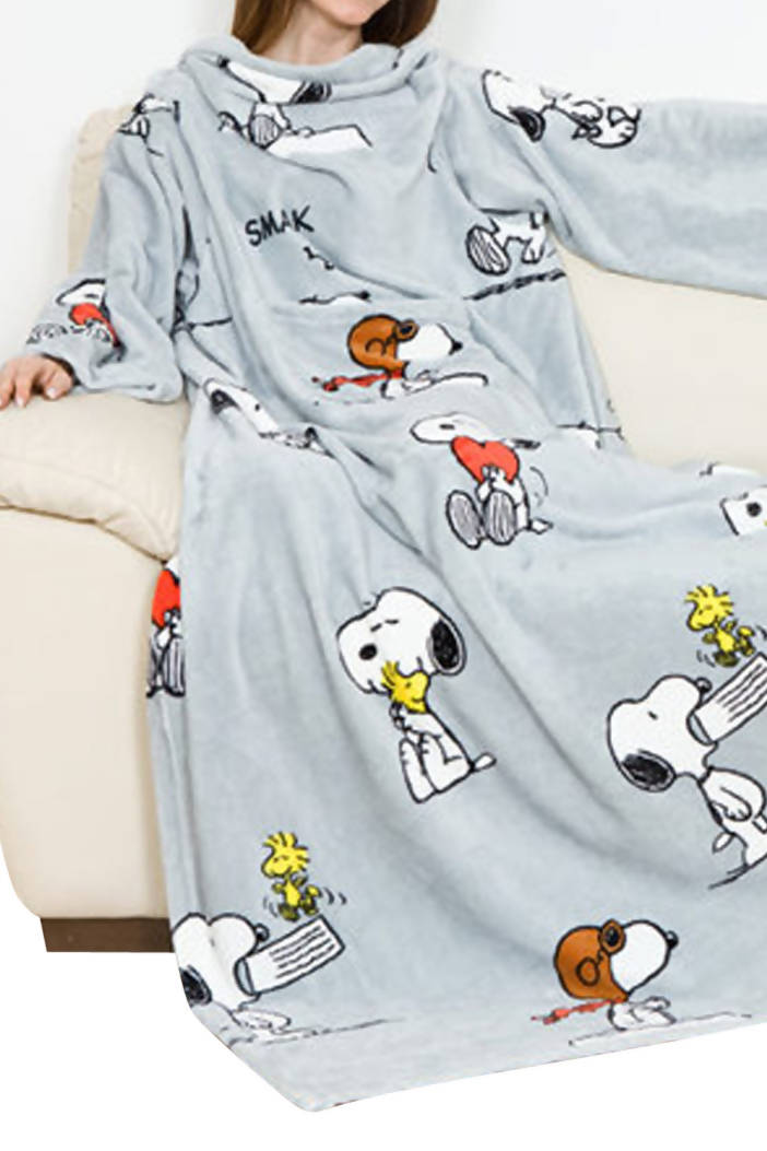 Snoopy Wearable Blanket