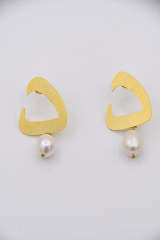 Daal Earrings (د)