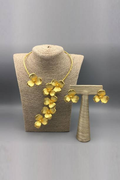 Set of Flower Cuff Necklace and Earrings