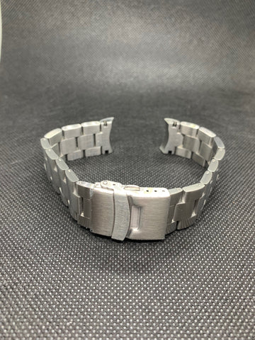 Stainless Steel 20mm Bracelet to fit MWC 300m Divers Models (Limited Pattern)