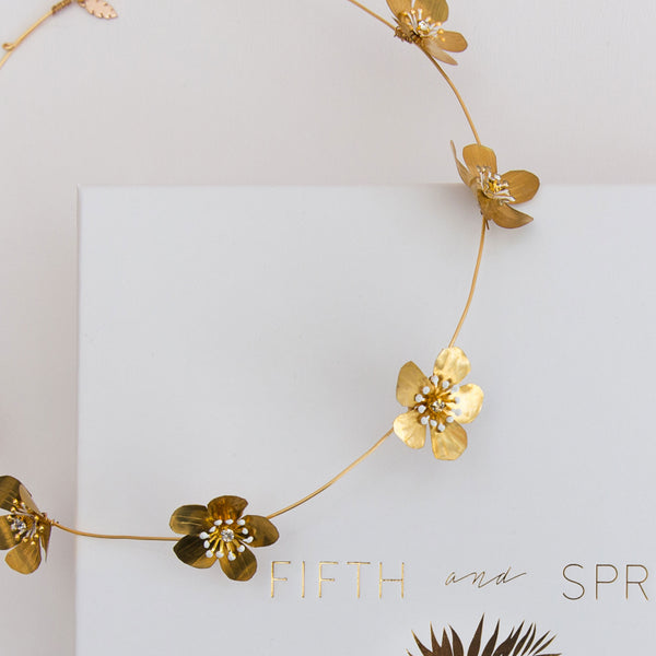 ASTORIA Golden Flower Bridal Halo - Fifth & Spring