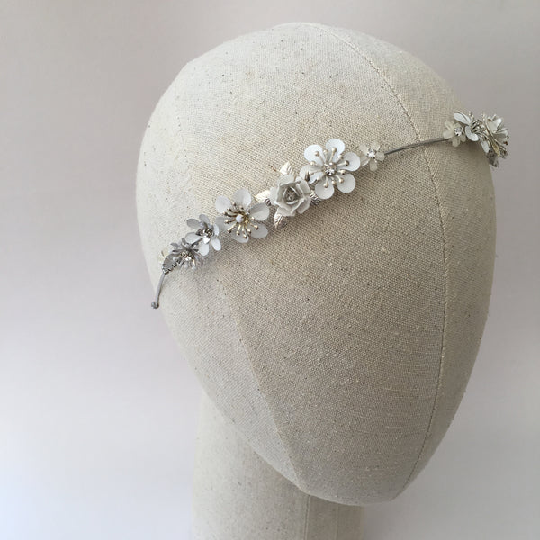 SYLVIE Delicate Spring Flower Bridal Band - Fifth & Spring