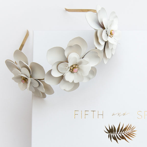 IMOGEN Chalk White Peony Alice Band - Fifth & Spring