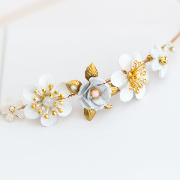 MADDIE Delicate Spring Flower Bridal Band - Fifth & Spring