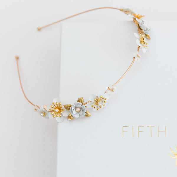 MADDIE Delicate Spring Flower Bridal Band
