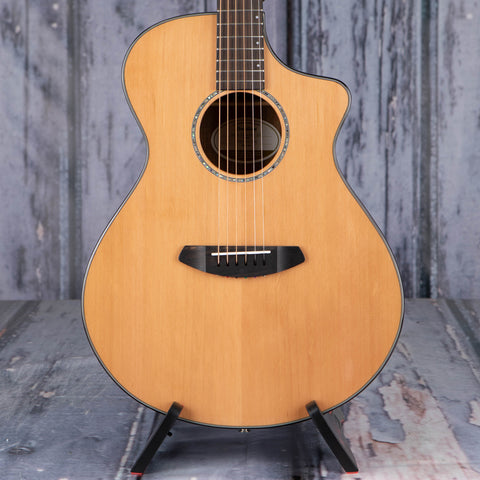 Breedlove Solo Concert CE Red Cedar/Ovangkol Acoustic/Electric Guitar, Natural, front closeup
