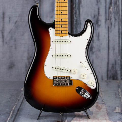 Fender 2019 Vintage Custom 1962 Stratocaster NOS Electric Guitar, 3-Color Sunburst, front closeup
