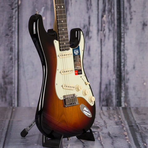 Fender American Elite Stratocaster, 3-Color Sunburst