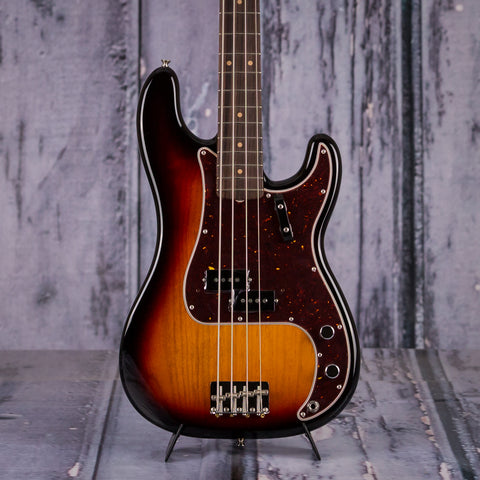 Fender American Original 60s Precision Bass Sunburst, front closeup