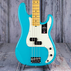 Fender American Professional II Precision Bass, Miami Blue