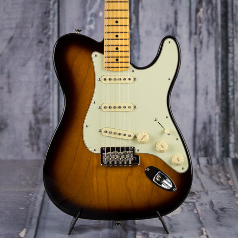 Fender Limited Edition 2018 Strat-Tele Hybrid, front closeup