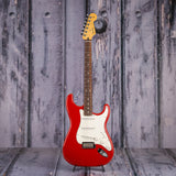 Fender Player Series Stratocaster, Pau Ferro Fingerboard, Sonic Red, front