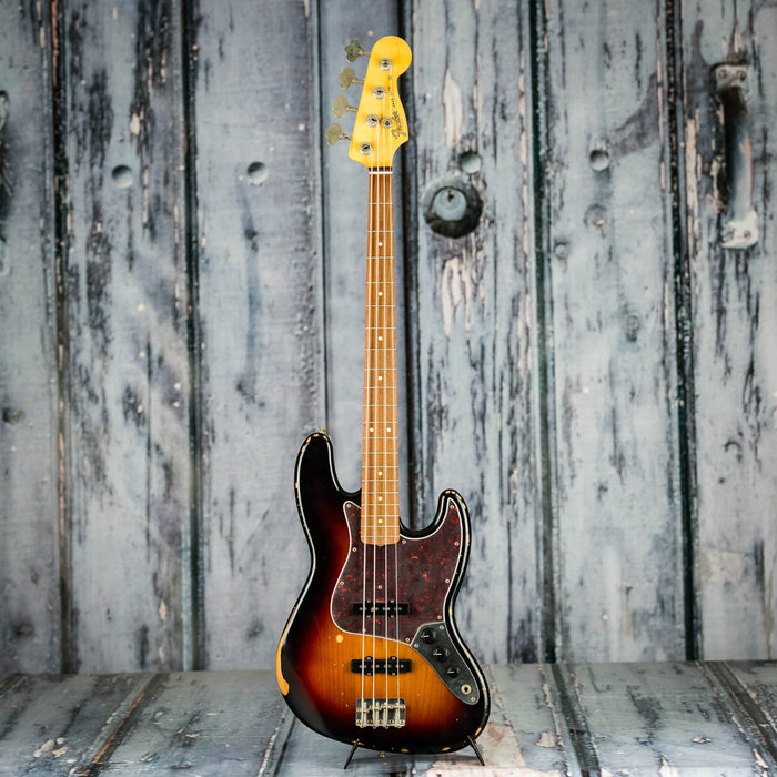 Fender Road Worn '60s Jazz Bass, 3-Color Sunburst