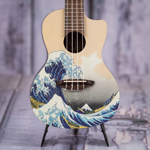 Luna Great Wave Concert Ukulele, Natural, front closeup
