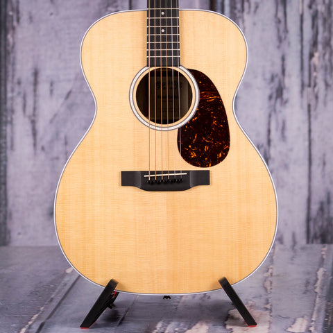 Martin 000-13e Acoustic/Electric Guitar, Natural, front closeup