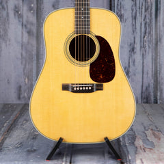 Martin D-28 Dreadnought, Natural