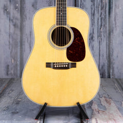 Martin D-35 Dreadnought, Natural