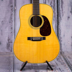 Martin 2018 HD-28 Dreadnought, Natural