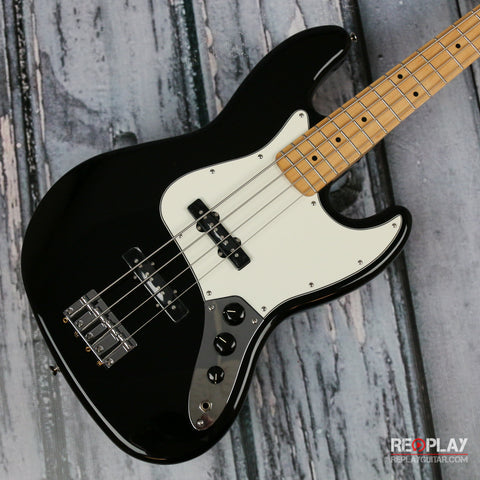 Fender Standard Jazz Bass (Black)