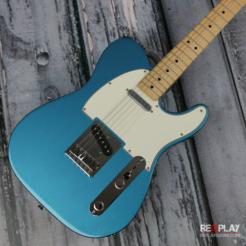 Fender Standard Telecaster (Lake Placid Blue)