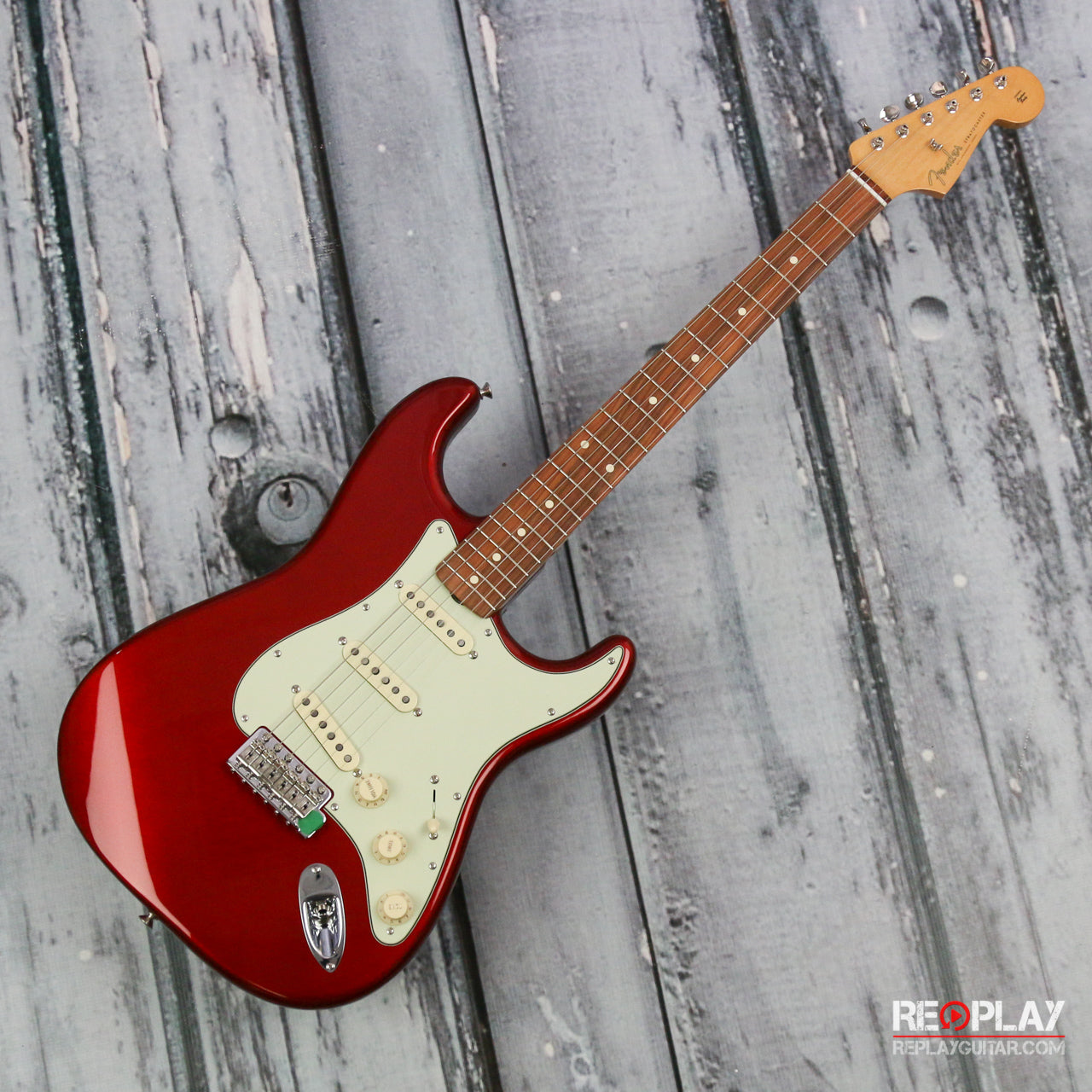 fender stratocaster candy apple red for sale replay guitar. Black Bedroom Furniture Sets. Home Design Ideas