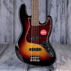 Squier Classic Vibe '60s Jazz Bass, 3-Color Sunburst