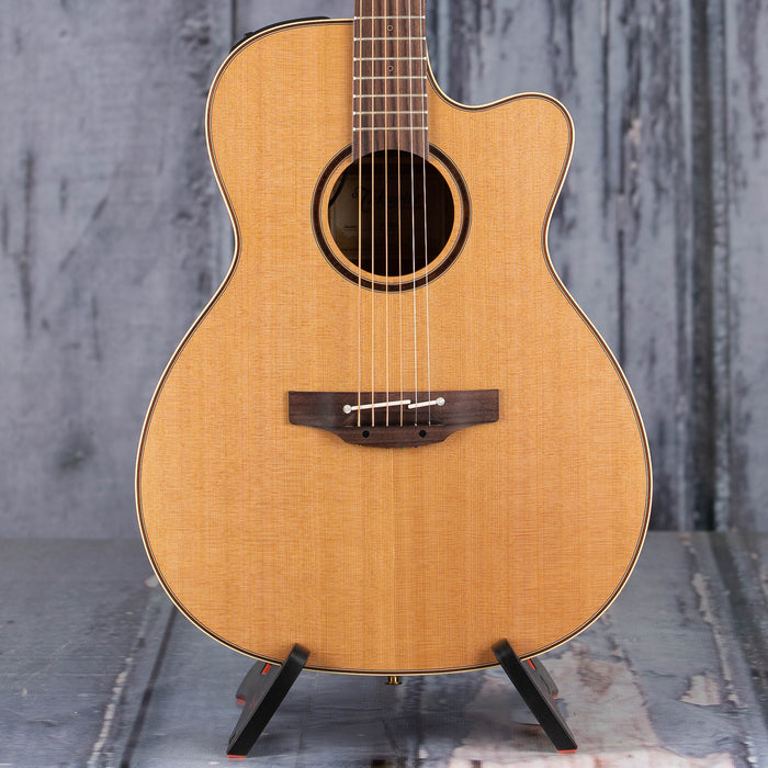 Takamine P3MC Dreadnought Acoustic/Electric, Natural