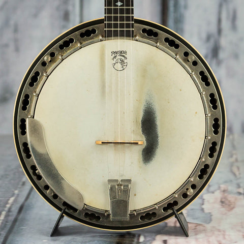 Used Deering Deluxe 5-String Banjo, Natural, front closeup