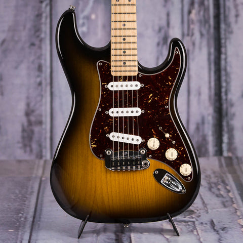 Used USA G&L Legacy Electric Guitar, 2005, 2-Tone Sunburst, front closeup