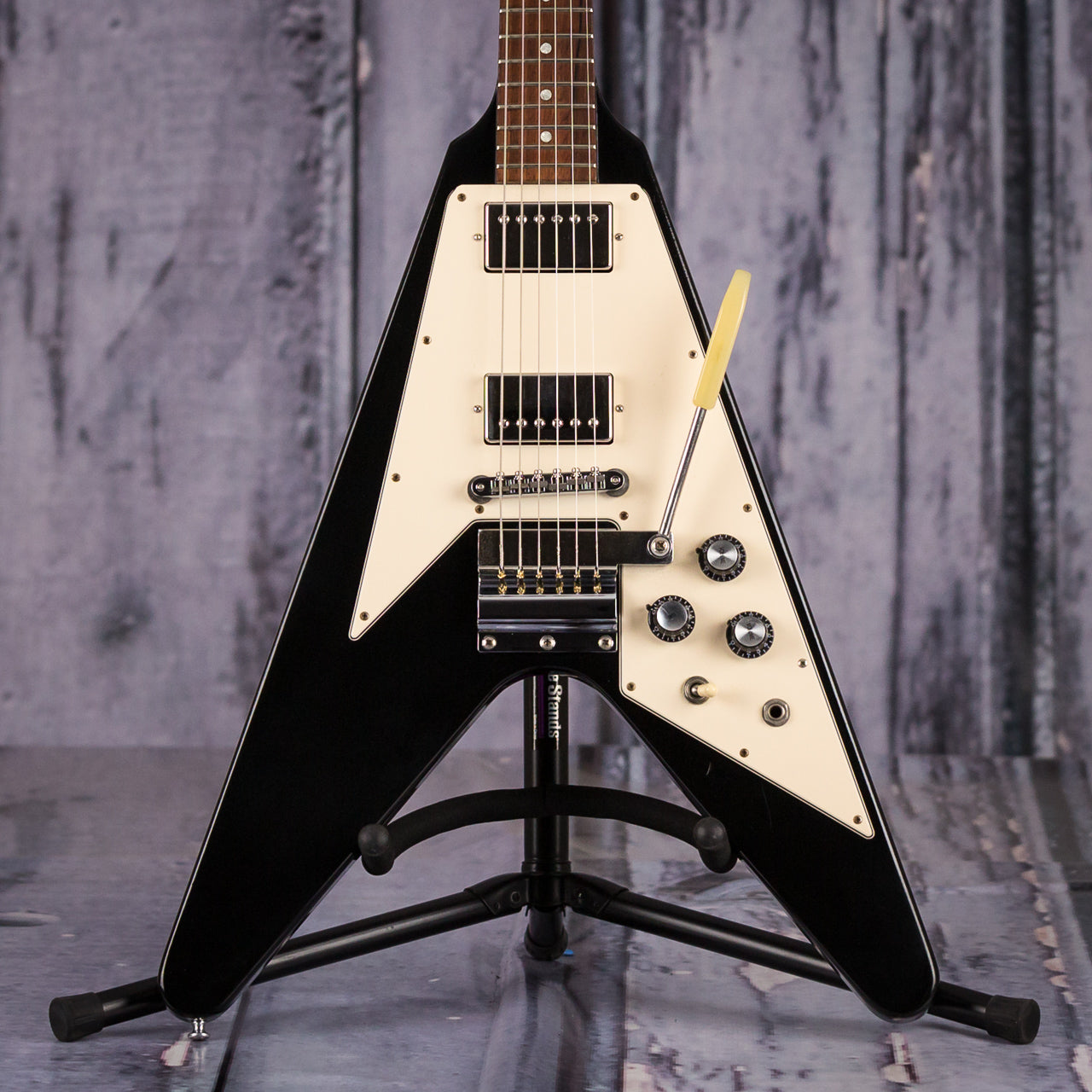 used gibson custom shop historic 1967 flying v 2001 black for sale replay guitar. Black Bedroom Furniture Sets. Home Design Ideas