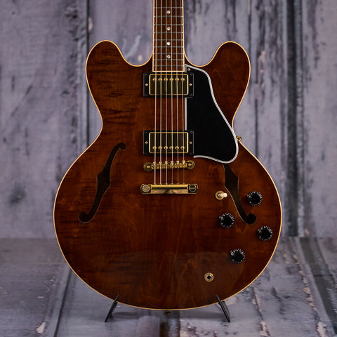 Used Gibson ES-335 Dot, 2000, Transparent Brown, front closeup
