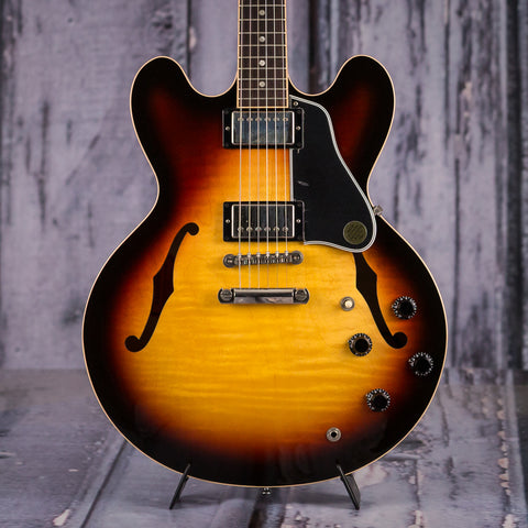 Used Gibson ES-335 Dot Semi-Hollowbody Electric Guitar, 2006, Three Color Sunburst, front closeup