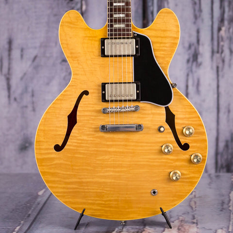 Used Gibson Memphis 1963 Reissue ES-335TD Semi-Hollowbody Electric Guitar, 2017, Antique Natural, front closeup