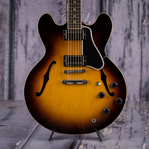 Used Gibson Custom Shop 1959 ES-335TD, 2014, Historic Burst, front closeup