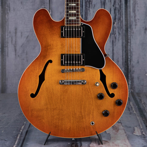 Used Gibson USA ES-335 Semi-Hollowbody Electric Guitar, 2017, Sunset Burst, front closeup